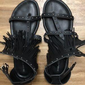 Stuffed fringed Sandals